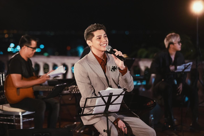 Noo Phước Thịnh và nhiều nghệ sĩ hoãn show vì Covid-19