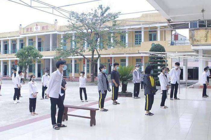 Nam Định cách ly tập trung 64 người tại trường THPT Lê Quý Đôn