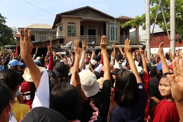 Myanmar ban bố lệnh cấm truyền hình vệ tinh