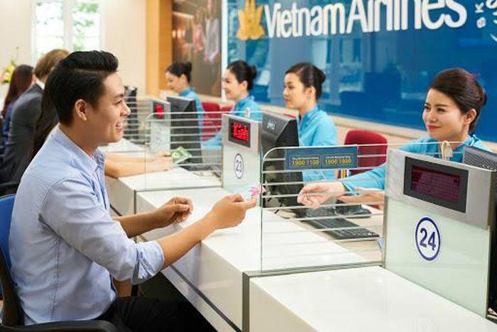 Bộ Tài chính lên tiếng vụ Vietnam Airline muốn áp giá sàn vé máy bay