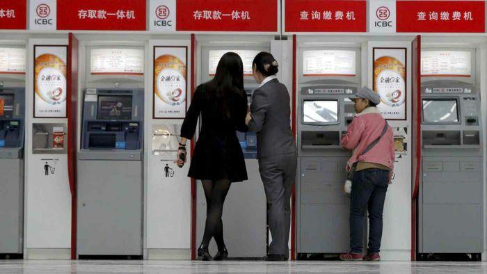 Các ngân hàng Trung Quốc lao dốc