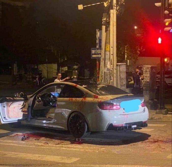 Công an điều tra vụ chém người vì tiếng bô xe ô tô nổ to