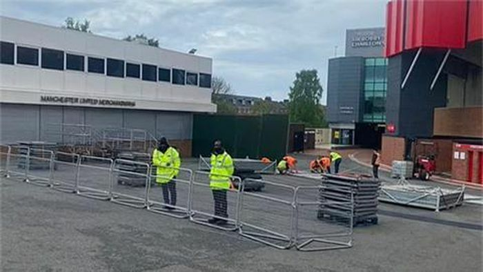 Sợ bị biểu tình, MU biến sân Old Trafford thành lô cốt