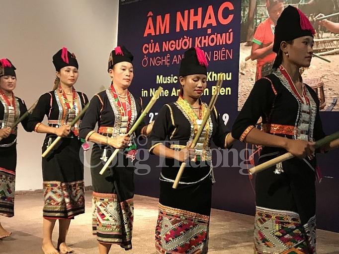Âm nhạc của người Khơmú ở Nghệ An và Điện Biên cuốn hút khán giả Hà Nội