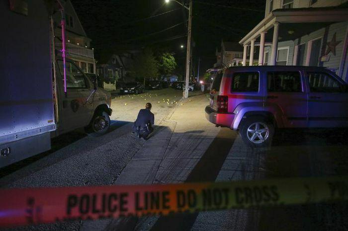 Mỹ: 9 người bị thương trong vụ đấu súng