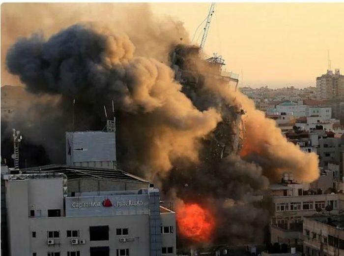 Xung đột với phiến quân Hồi giáo Palestine tiếp tục leo thang, Israel đưa bộ binh áp sát dải Gaza