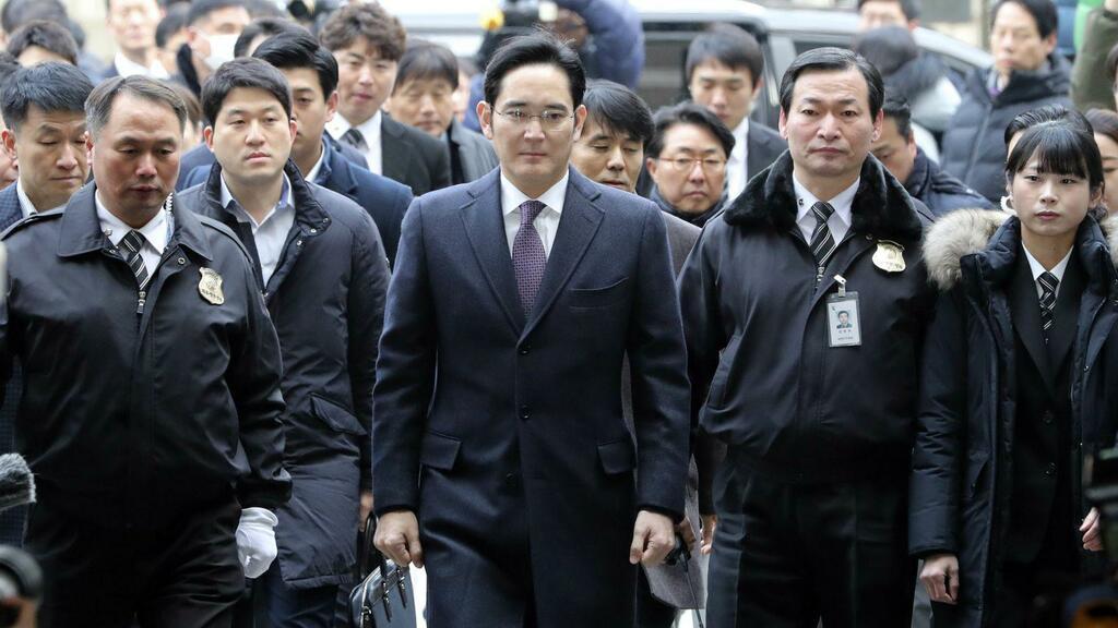 """Dù chịu án tù, tài sản của """"thái tử"""" Samsung vẫn tăng đột biến tỷ USD"""