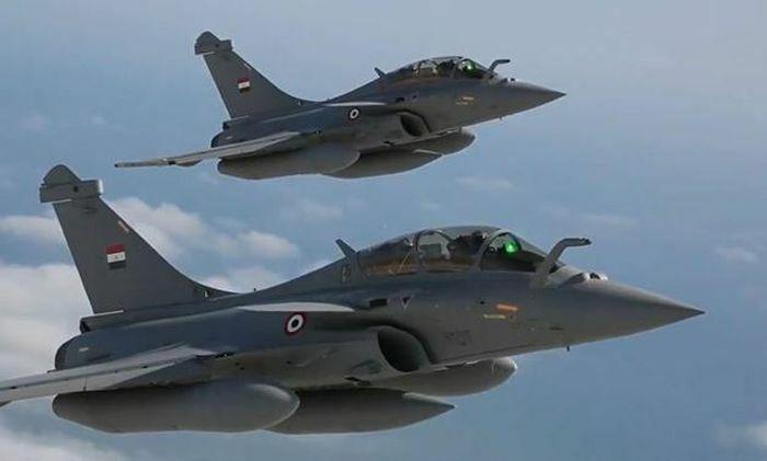 Mỹ đã gây sức ép để Pháp bán được máy bay cho Ai Cập?