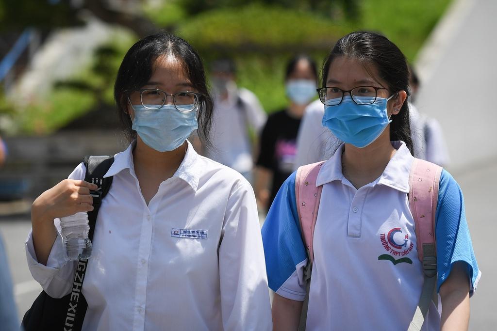 Hà Nội yêu cầu học sinh lớp 9 và 12 không ra khỏi thành phố
