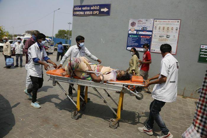 Hơn 20,7 triệu ca nhiễm, Ấn Độ đối mặt với áp lực phong tỏa