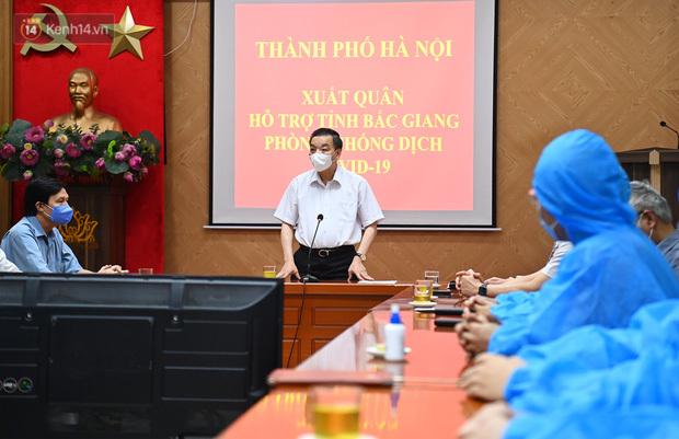 """Hà Nội cử """"đội đặc nhiệm"""" khẩn cấp lên đường chi viện Bắc Giang dập dịch"""