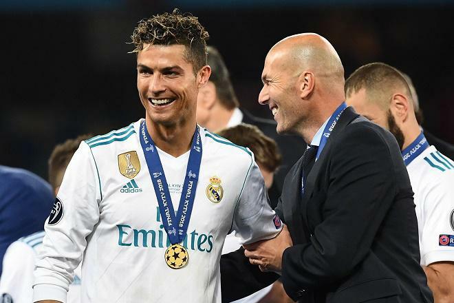 Juventus chiều lòng Ronaldo, trảm Pirlo đón Zidane