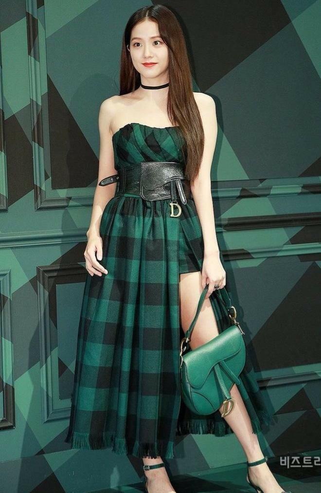 Là đại sứ danh phận cao nhất của Dior nhưng vì sao Jisoo chưa được hưởng đặc quyền này?