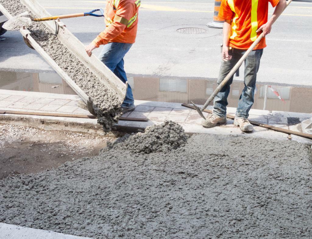 """""""Bão giá"""" vật liệu xây dựng: Nhiều nhà thầu trúng thầu nhưng không dám ký hợp đồng"""