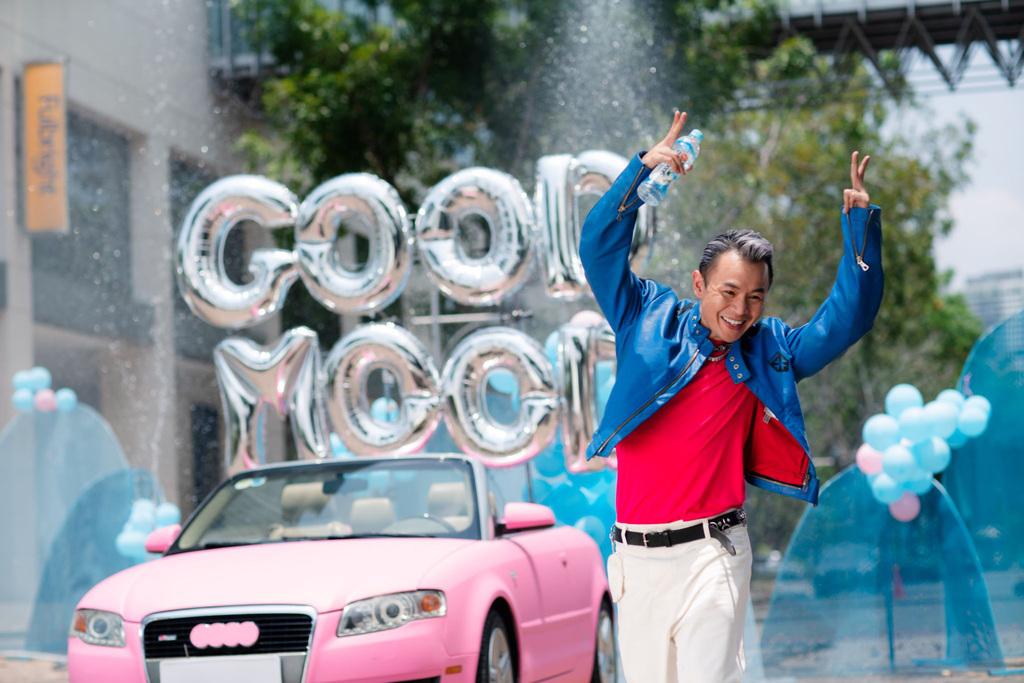 Binz thay đổi 180 độ từ phong thái đến giai điệu trong MV Ờ Mây Zing Good Mood
