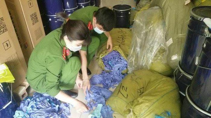 Hà Nội: Kho chứa gần 3 tấn găng tay y tế không rõ nguồn gốc vừa bị phát hiện
