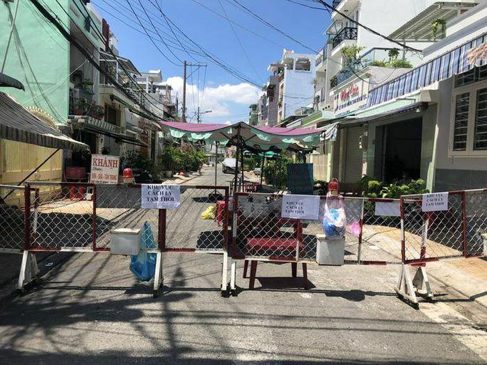 Liên quan ca nghi mắc Covid-19 tại TP HCM: Phong tỏa 72 hộ dân ở Bình Tân, lấy mẫu hơn 300 người