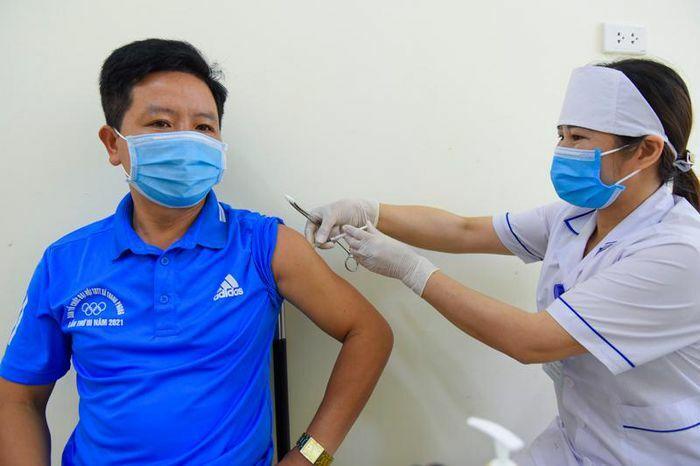 Như Xuân: 330 người được tiêm vắc – xin phòng COVID-19