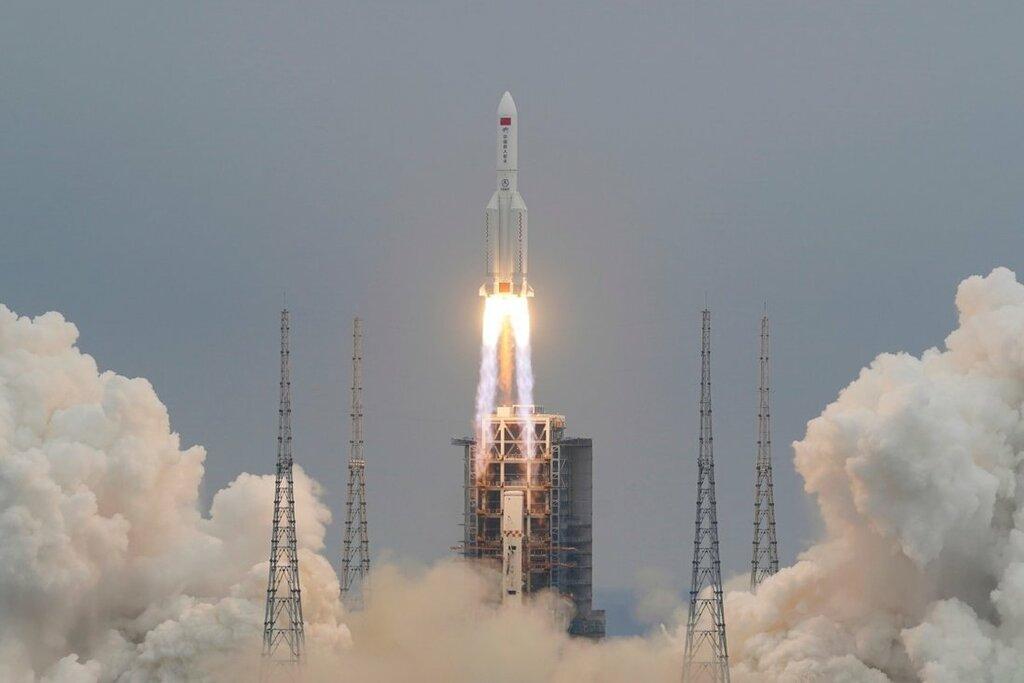 Trung Quốc thông báo địa điểm vừa rơi của tên lửa khổng lồ nặng 22 tấn