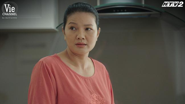 Cây táo nở hoa: Mẹ Phong xuất hiện, lộ quá khứ nộp hồ sơ du học khiến Phong bội ước với Châu