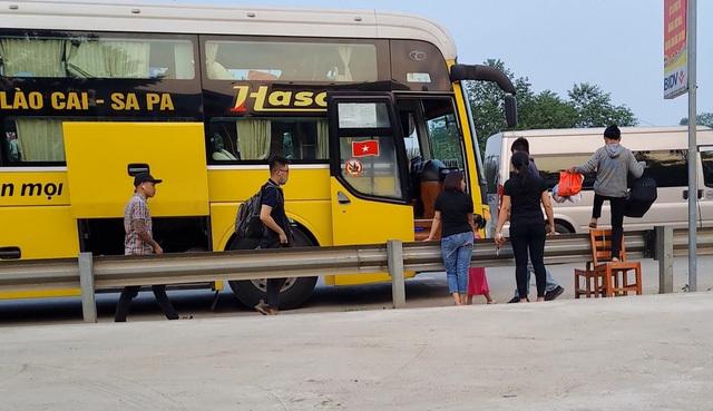 Không bên nào nhận trách nhiệm, trạm vé lậu trên cao tốc Nội Bài - Lào Cai vẫn tồn tại - ảnh 1