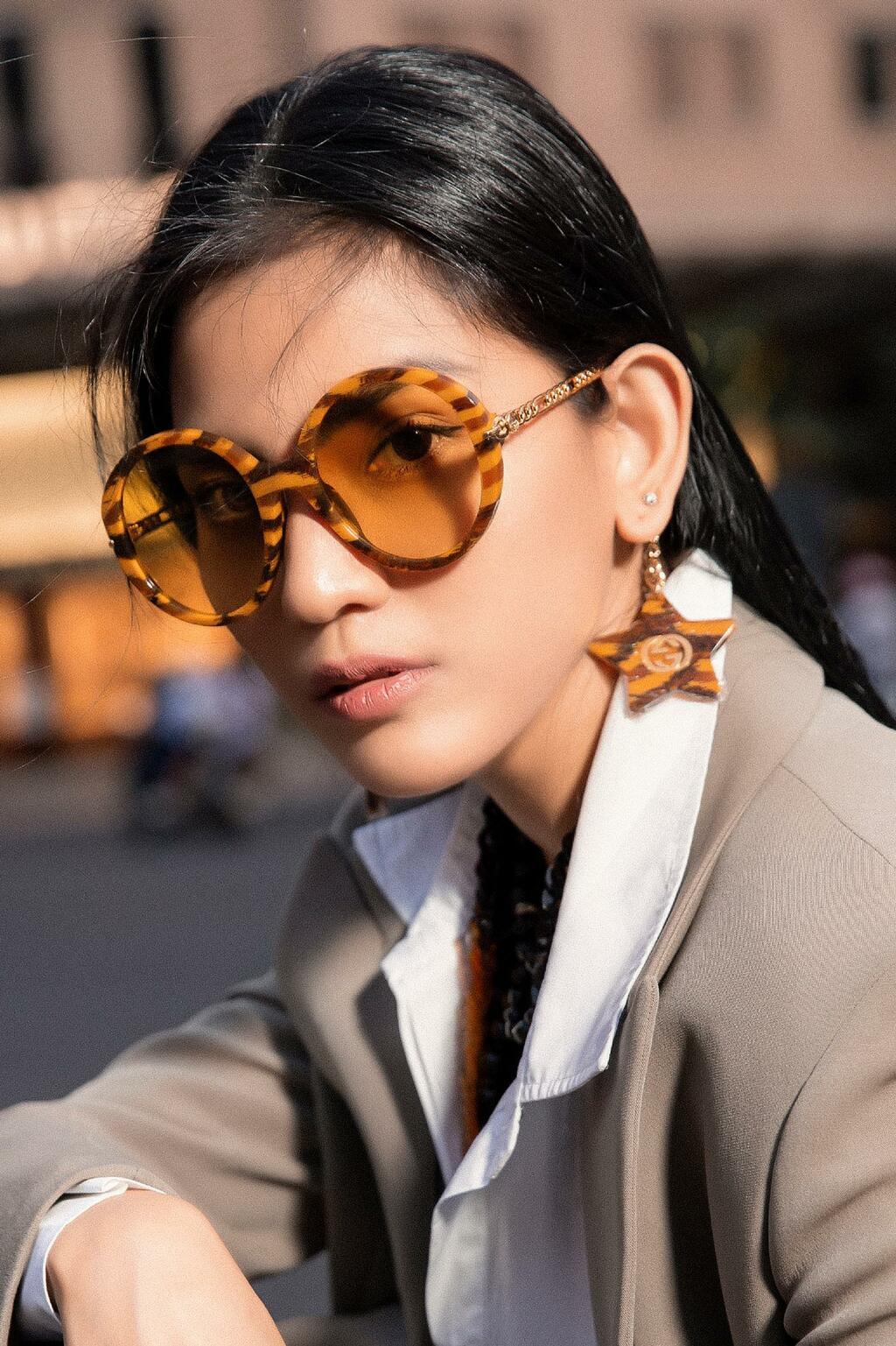 Trương Thị May hóa thân thành quý cô sành điệu trong bộ ảnh thời trang đường phố chất lừ