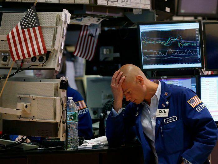 Đau đầu với lạm phát, giới đầu tư tháo chạy khỏi thị trường