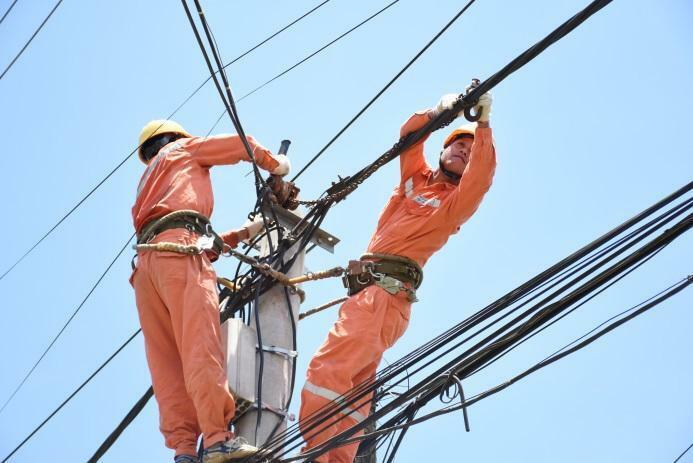 Hà Nội: Nắng nóng, tiêu thụ điện tăng cao