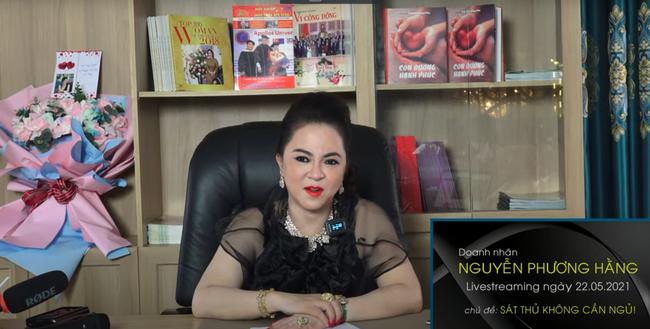 Bà Phương Hằng bất ngờ tung đoạn ghi âm được cho là của NS Hồng Vân liên quan đến vụ việc kêu gọi từ thiện 13 tỷ đồng của NS Hoài Linh