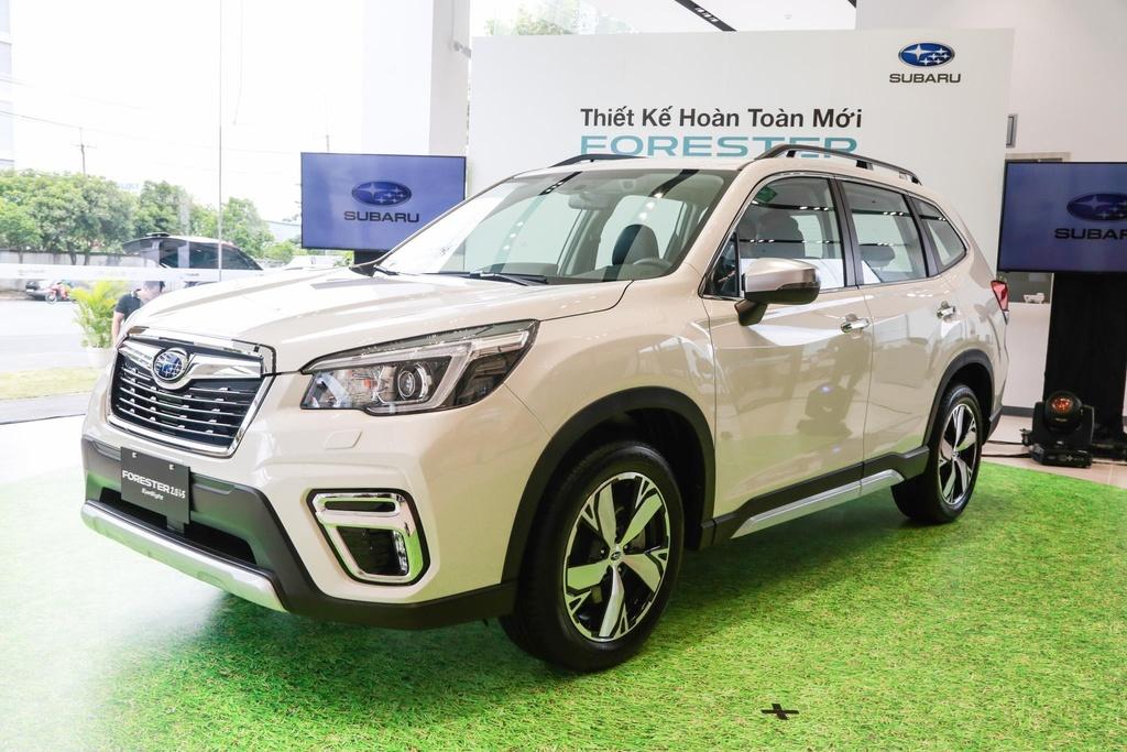 Xe SUV giảm giá trăm triệu đồng trong tháng 5