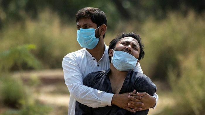 Đại dịch Covid-19 chưa thể chấm dứt nếu thế giới không cứu Ấn Độ khỏi khủng hoảng