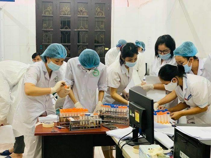 Tối 22/5, Việt Nam ghi nhận 73 ca mắc mới COVID-19