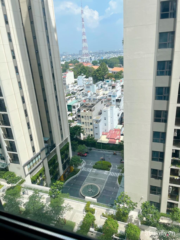 Căn hộ chỉ 55m² nhưng rất gọn gàng, hợp lý và đầy đủ mọi công năng của gia đình trẻ ở Sài Gòn