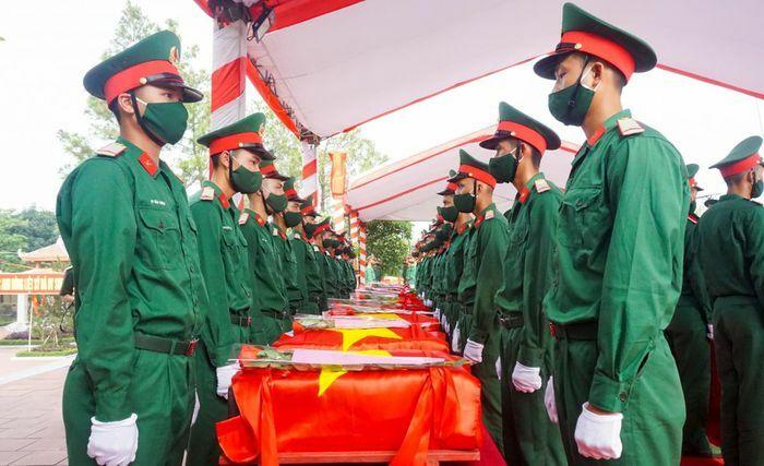 An táng 95 hài cốt liệt sĩ hy sinh tại Lào