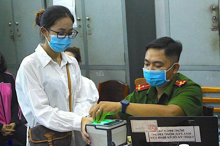 TP.HCM tạm ngưng cấp CCCD lưu động để phòng chống dịch