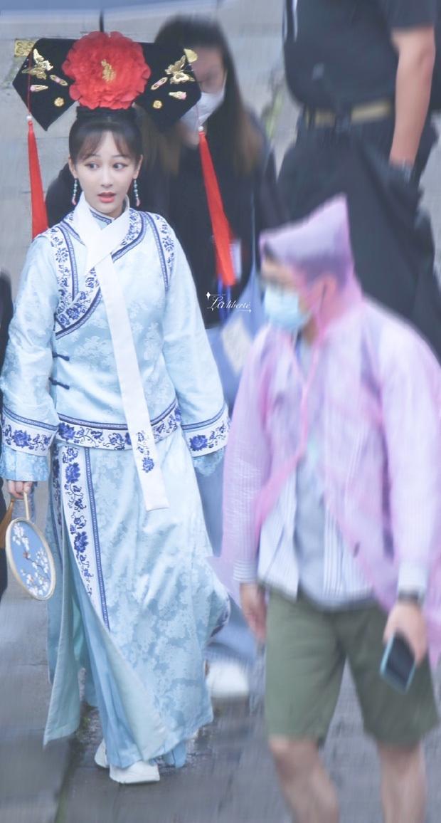 Dương Tử bị nghi đóng Hoàn Châu Cách Cách remake, còn lộ tạo hình Tử Vy xinh chả thua bản gốc?