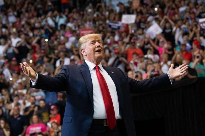 Ông Trump đang củng cố quyền lực để xây dựng đế chế mới?