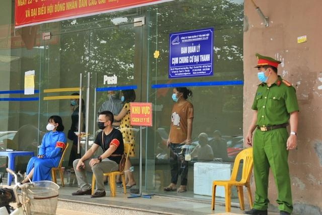 Hà Nội phong tỏa tòa nhà chung cư Đại Thanh