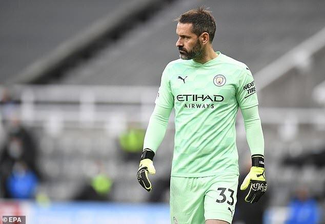 Cầu thủ Man City lần đầu thi đấu ở EPL sau gần 1 thập kỉ
