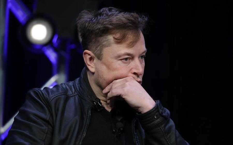 Liên tục khuấy đảo Twitter, Elon Musk mất ngôi giàu thứ 2 thế giới