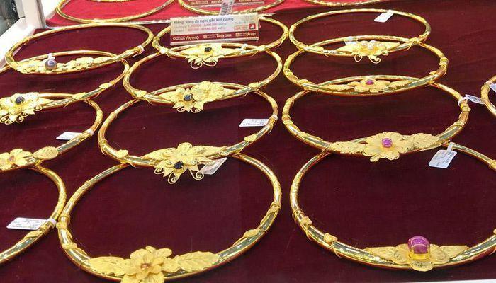 Giá vàng trong nước cao hơn thế giới khoảng 6,4 triệu đồng/lượng