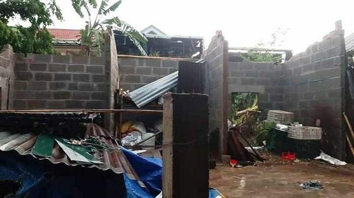 Quảng Trị: Mưa dông kèm lốc xoáy khiến 106 nhà bị tốc mái