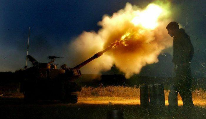 Israel dùng pháo tự hành Mỹ nã đạn dữ dội vào dải Gaza