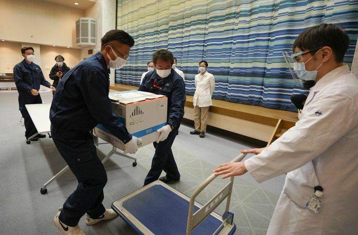 Nhật đặt mua 120 triệu liều vaccine, nhưng chưa duyệt để dùng