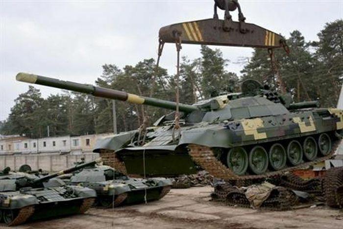 """Moscow """"vô hiệu hóa"""" hàng trăm MBT Ukraine không cần vũ khí"""
