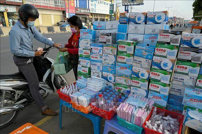 Campuchia kêu gọi khách hàng và các nhà bán lẻ sử dụng ví điện tử