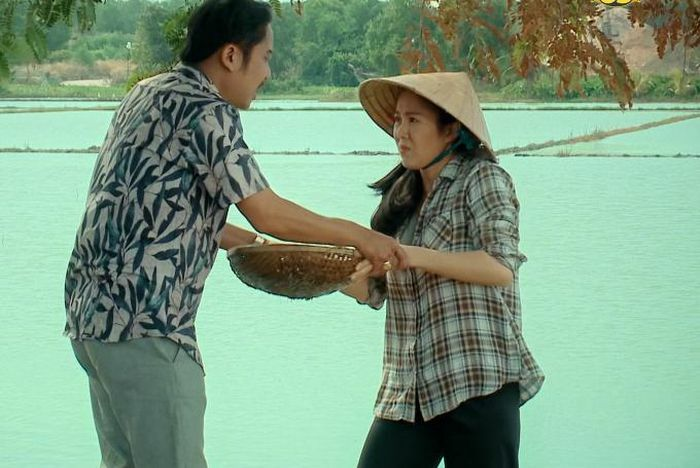 Thương con cá rô đồng: Bại lộ chuyện ăn cắp tiền của Lê Phương, Hạnh Thúy cầm dao dọa tự tử