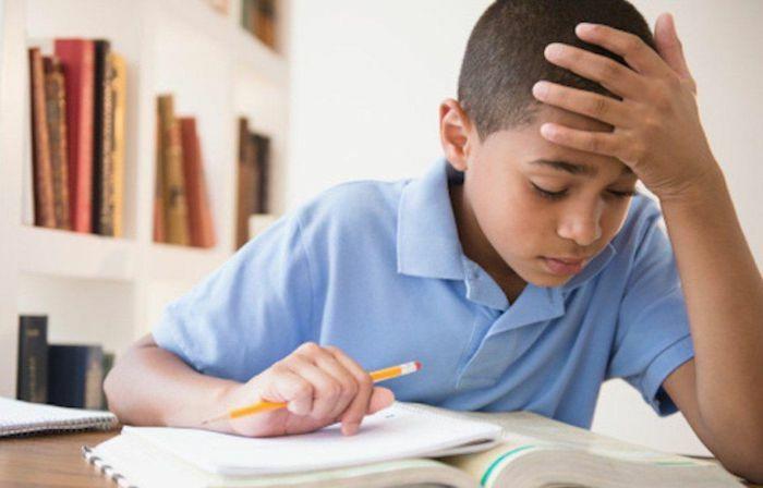 Vì sao không nên giao bài tập hè cho trẻ?