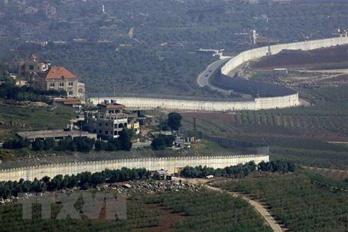 Quân đội Israel bắn vào nhóm tuần tra quân sự của Liban
