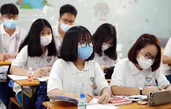 Cập nhật ngày 6/5: 16 tỉnh thành cho học sinh nghỉ học để tránh dịch, có tỉnh gửi thông báo hỏa tốc trong đêm